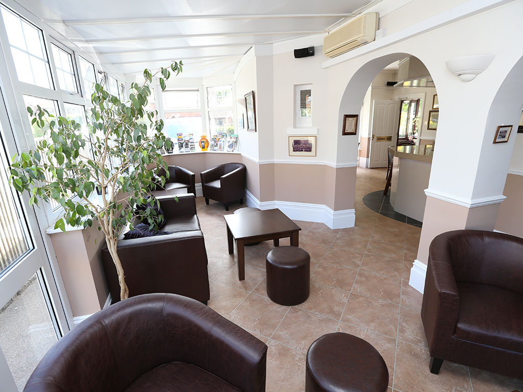 The Gatwick Corner House hotel Lounge area